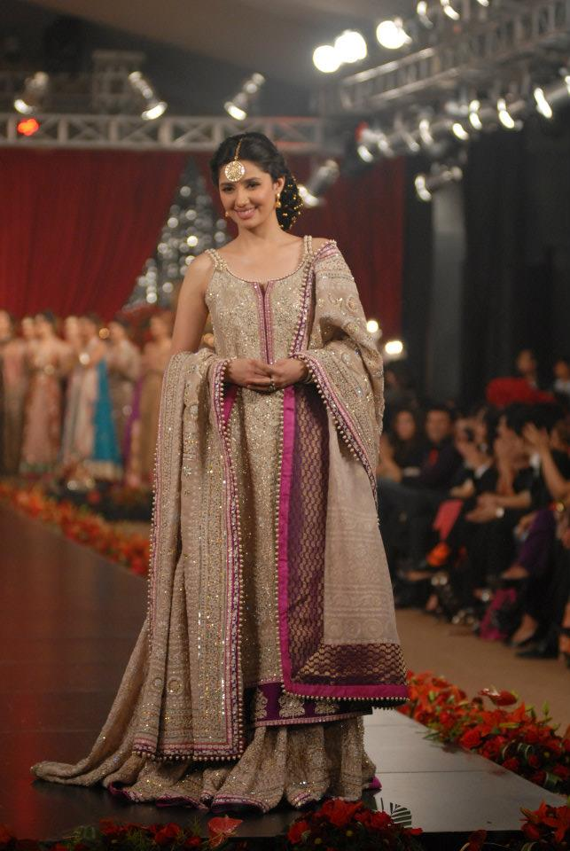 Pakland Fashion Umar Sayeed Pfdc Bridal Week