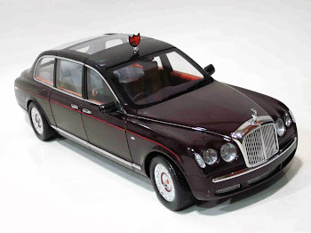 "Bentley State Limousine ""Queen Elizabeth"" '02 - Minichamps"