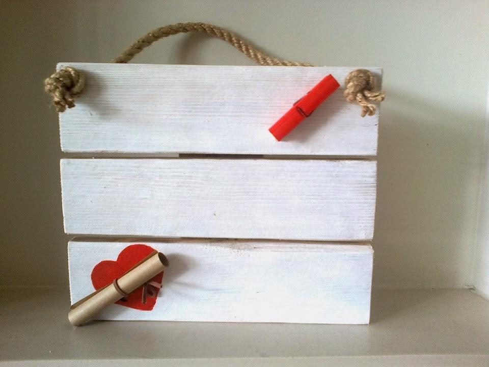 drewniana zawieszka handmade z palet   i desek Odpadak