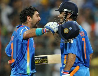 Yuvraj Singh and MS Dhoni celebrate the biggest win of their lives, World Cup 2011, Mumbai, April 2, 2011
