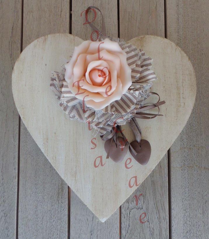 cuori di legno con fioru : DOLCE CREARE: Cuore primaverile