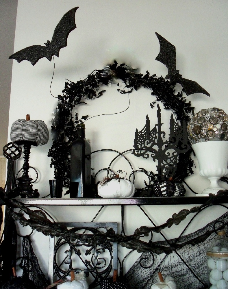 Make the best of things black and white halloween decor for Things to make for halloween decorations
