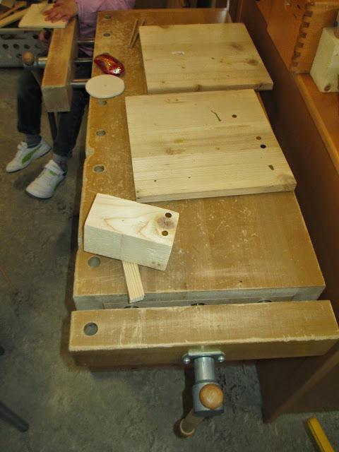 Werken mit Holz im Kindergarten