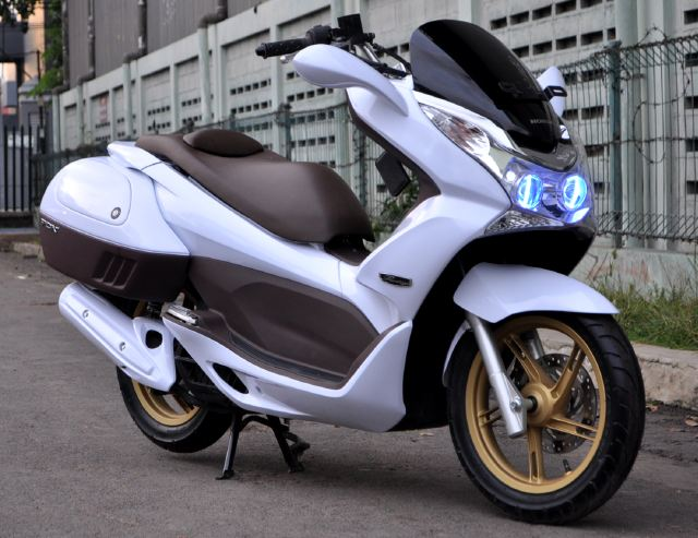 Foto Gambar Modifikasi Spesification Honda Pcx Minimalis New