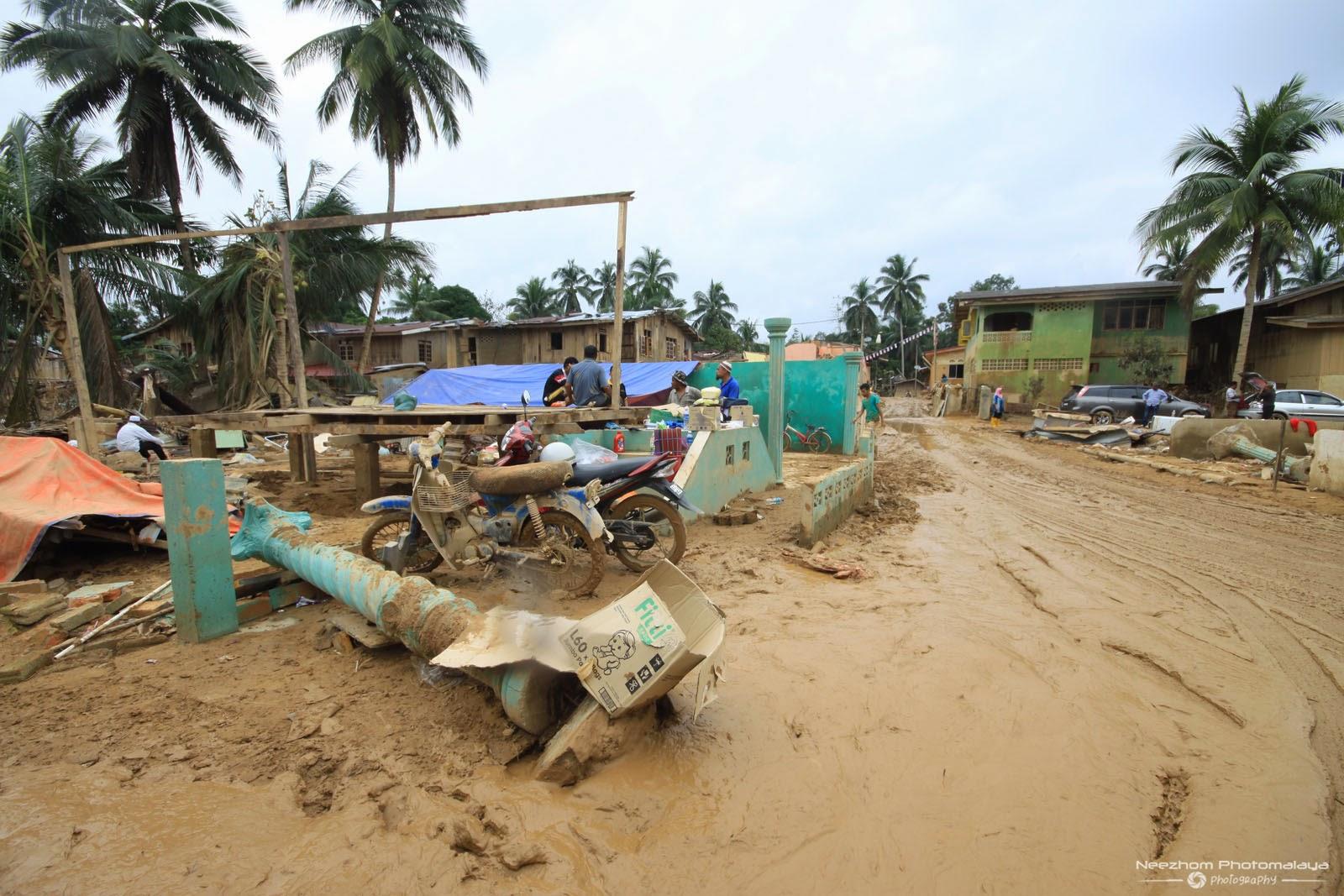 gambar kesan Banjir di Kampung Manjor, Kuala Krai