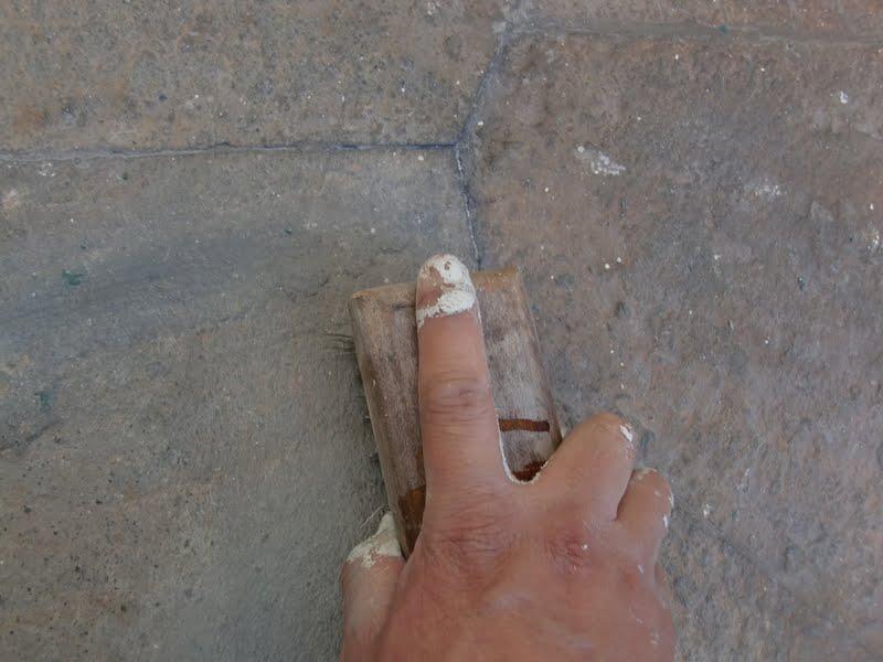 Aprende con tu amigo luis quitar pintura del suelo de piedra - Pintura suelo exterior ...