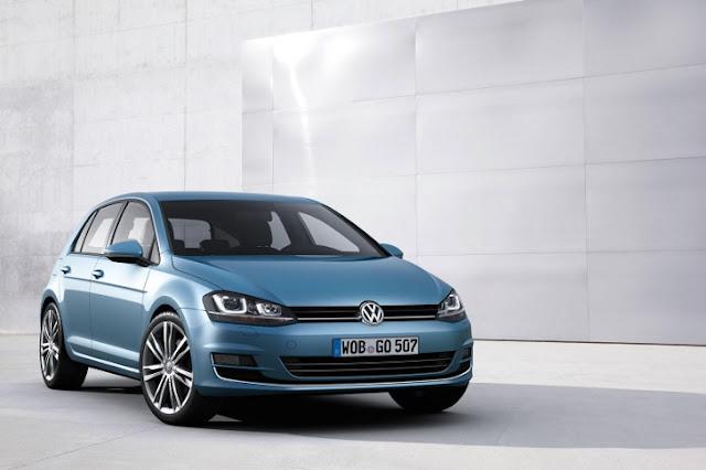 La nuova Volkswagen Golf 7 (tre quarti anteriore)