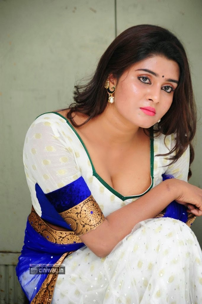 Actress-Harini-Latest-Stills