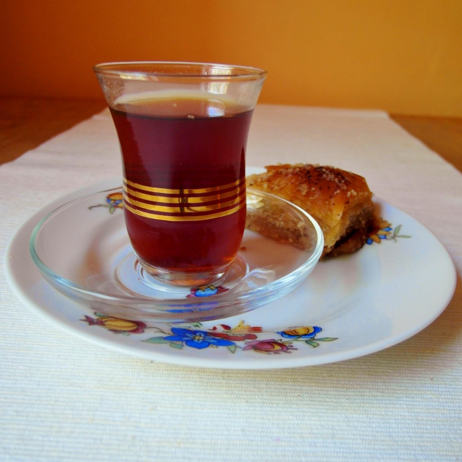 Kuchnia z wyrakiem Herbata po hassańsku  bliskowschodnia herbata z karmelem -> Kuchnia Angielska Herbata Po Angielsku