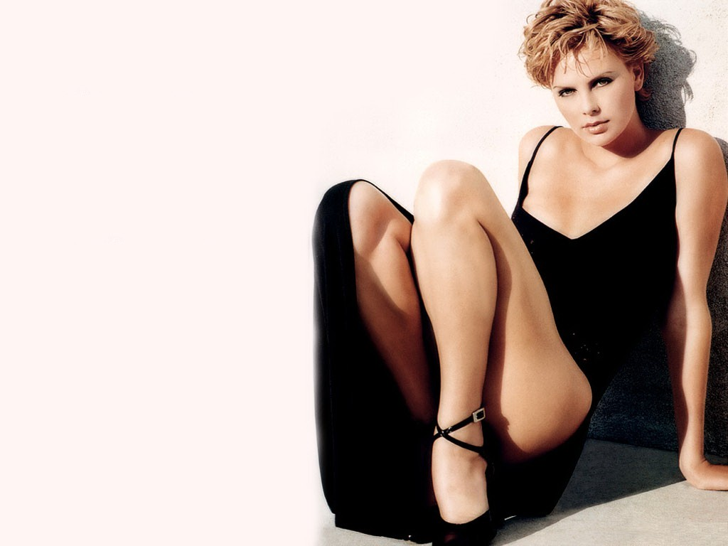 Charlize Theron Free Wallpapers | Charlize Theron Wallpapers Charlize Theron