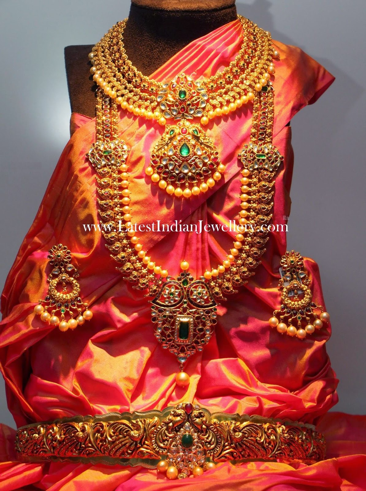 Complete Indian Wedding Jewellery Set In Gold
