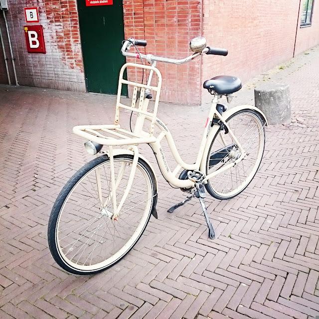 holenderski rower,targ z rowerami w amsterdamie, gdzie kupić używany rower holenderski,blog lifestyle