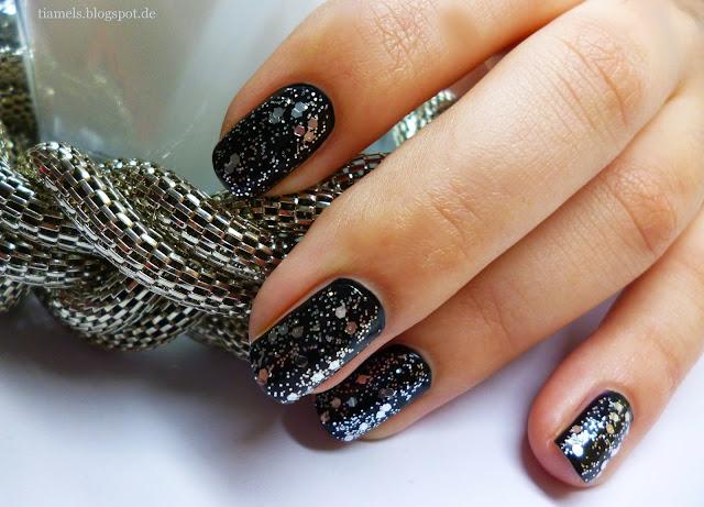 http://tiamels.blogspot.de/2013/05/nails-glamorous-finish-glitter-top-coat.html