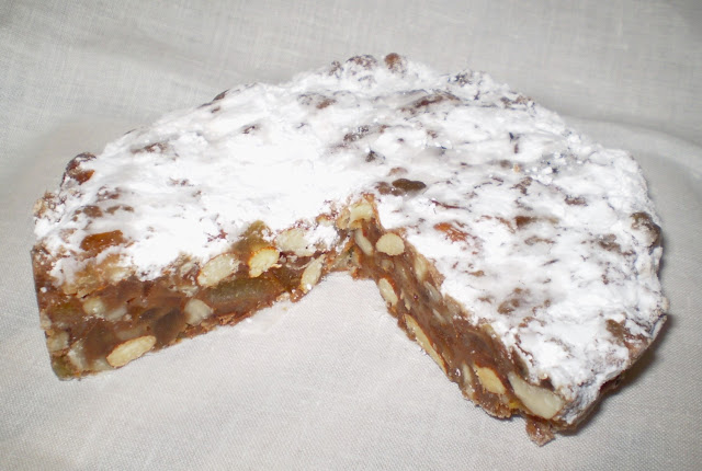 The Italian Panforte or fruitcake is more dense than the Panettone but looks just as scrumptious nonetheless. Photo: WikiMedia.org.