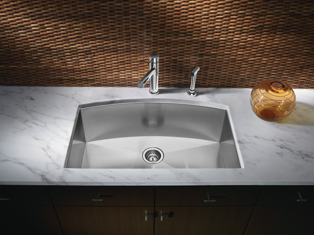GOLD NOTES: Choosing a Stainless Steel Sink: Guest Post by Blanco