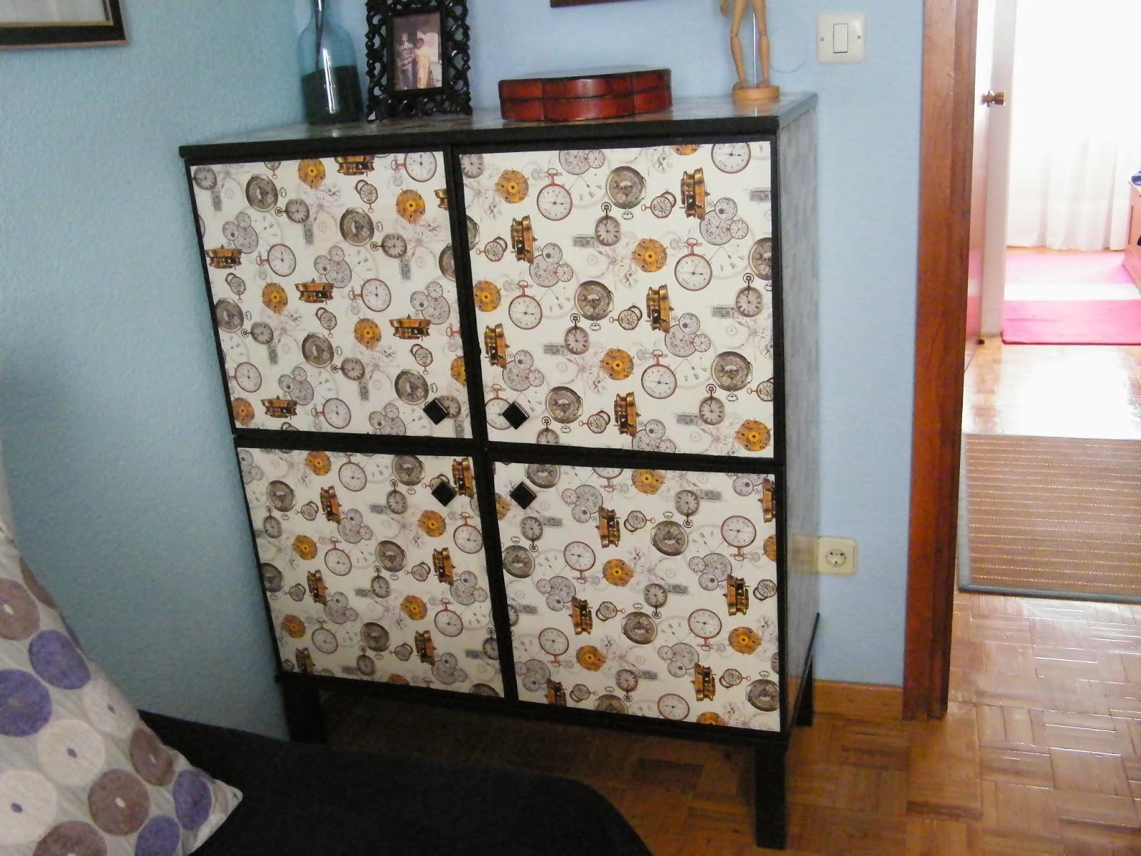 Un mueble sin nombre transformado con papel de regalo mi for Papel para decorar muebles