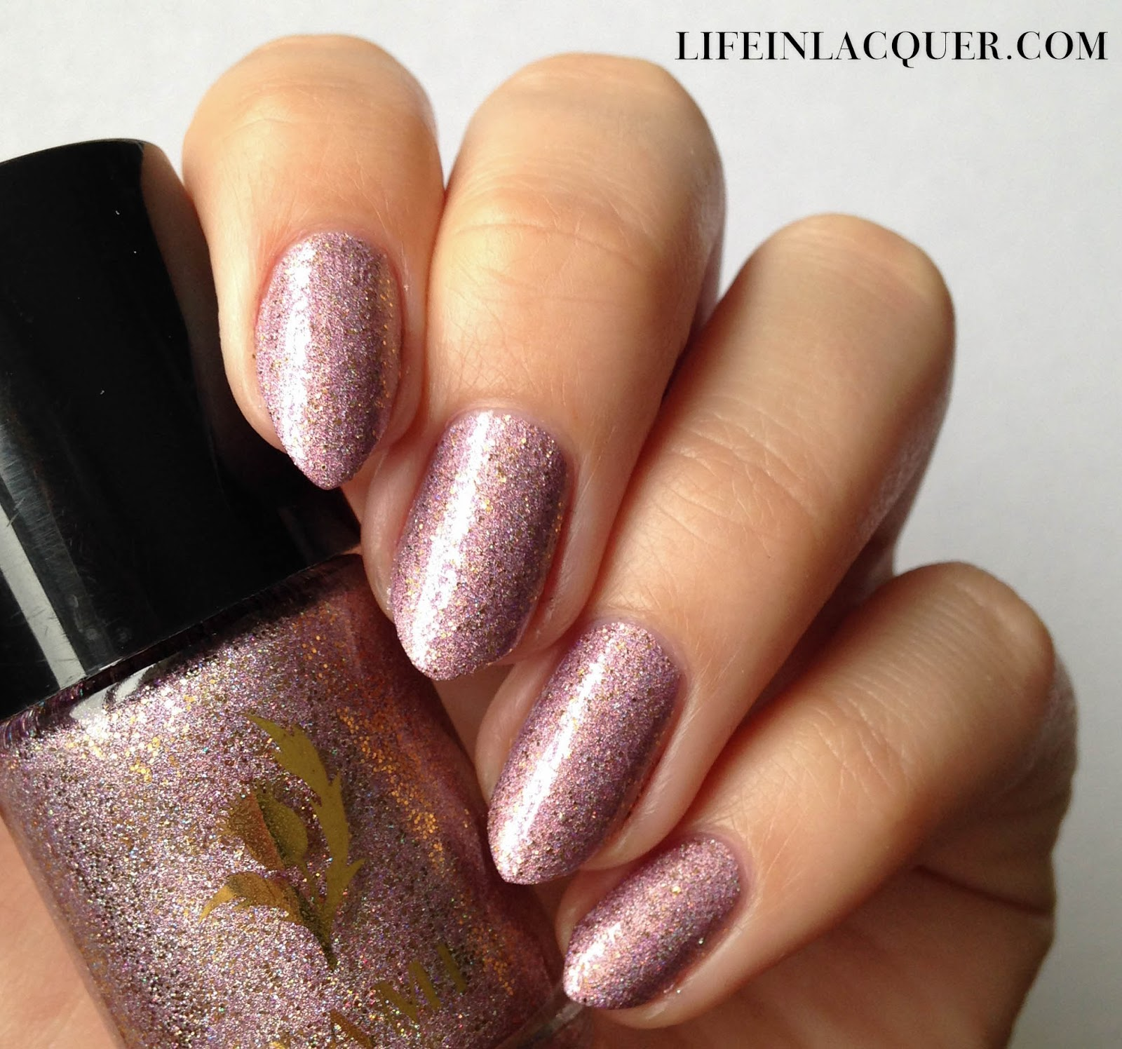 Swatch of Gleneagles Glamour by Tami Beauty