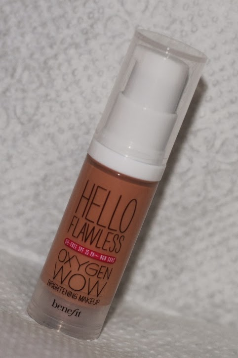 Benefits's Hellow Flawless Oxygen Wow Brightening Makeup