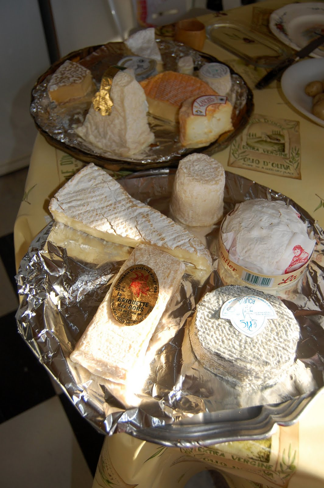 Recollections of a vagabonde eating le brie cheese - Can i eat port salut cheese when pregnant ...