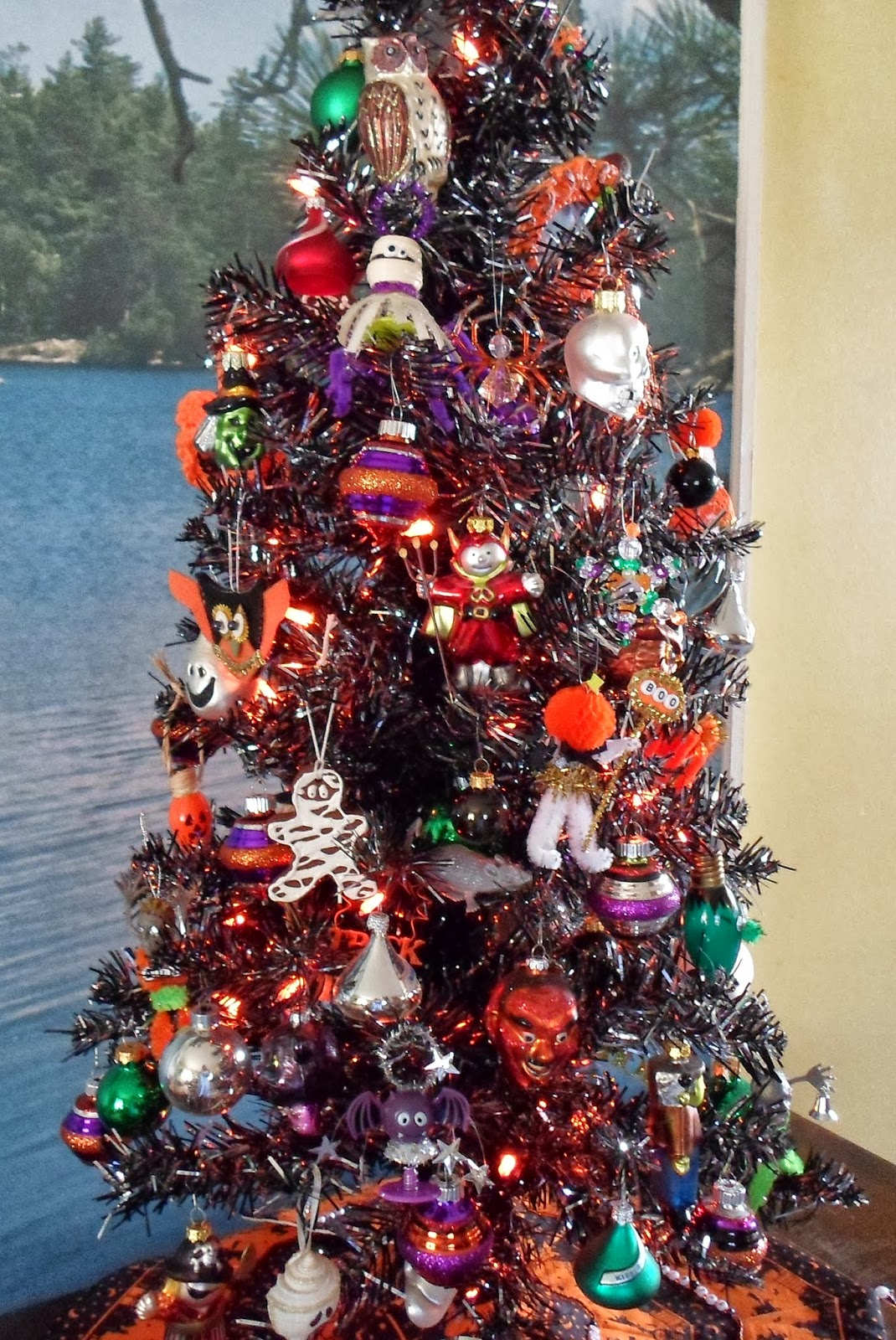 Happier Than A Pig In Mud: Halloween Tree 2013