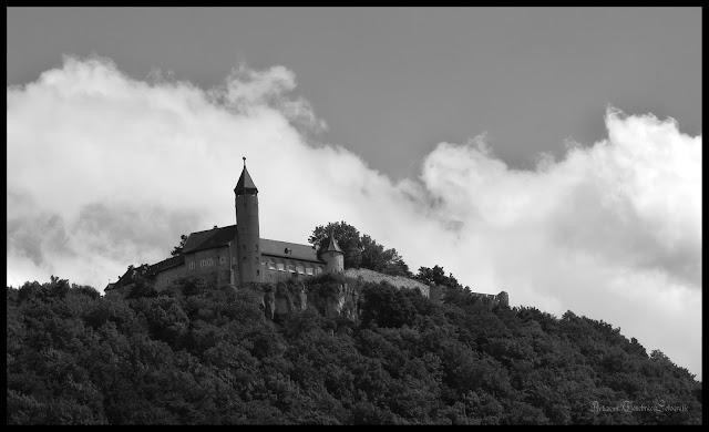Schwarz Weiß Aufnahme der Burg