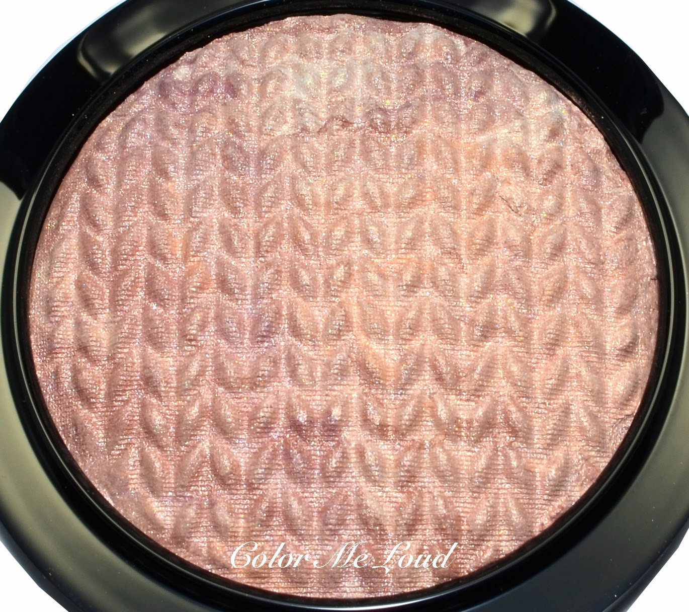 Close-up: Mineralize Skinfinish in Perfect Topping