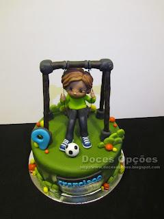 bolo aniversário menino baloiço doces opções