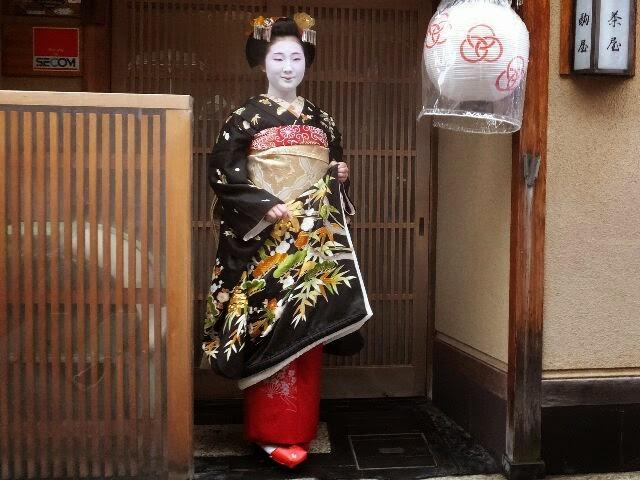 とし恵美さんは記念撮影。