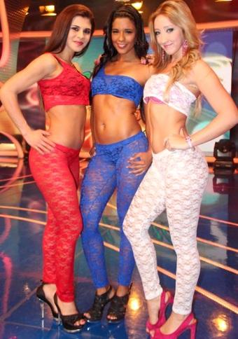 Rocío Miranda con Claudia Abusada y Romina Gachoy (Las Amazonas)