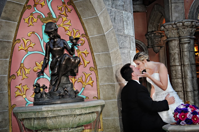Disneys Haunted Mansion Wedding Cake: Tara + Brett