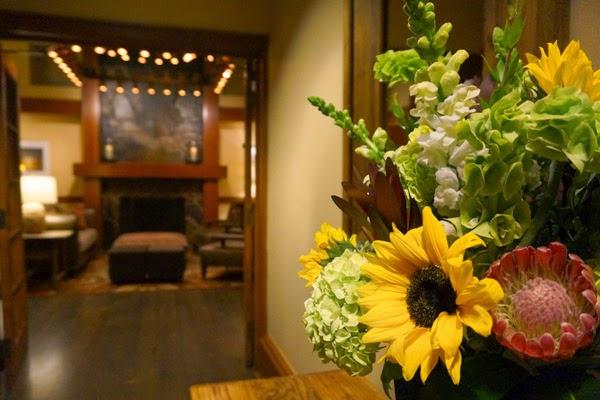 salish lodge flowers lounge