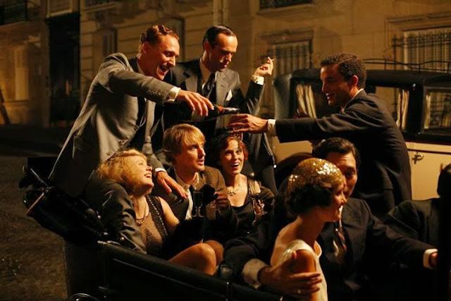Pariste gece Yarısı filmi, Zamanda Yolculuk, Nostaljik araba, Zelda Fitzgerald, Scott Fitzgerald, Gil, Owen Wilson, Woody Ellen