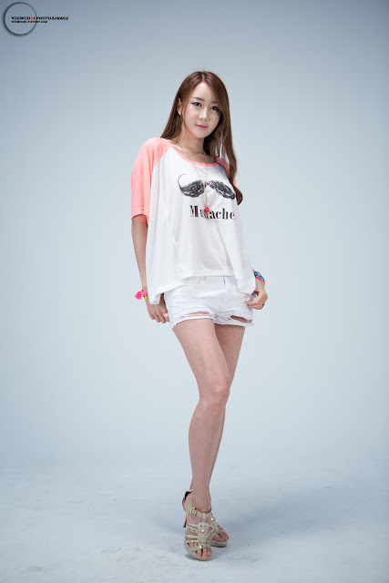 Han Chae Yee Sexy in Denim Shorts and T-shirt