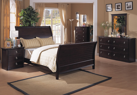 Furniture world guide to buying quality bedroom furniture for Quality bedroom furniture sets