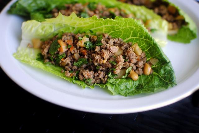 Ginger Cashew Lettuce Wraps l SimplyScratch.com
