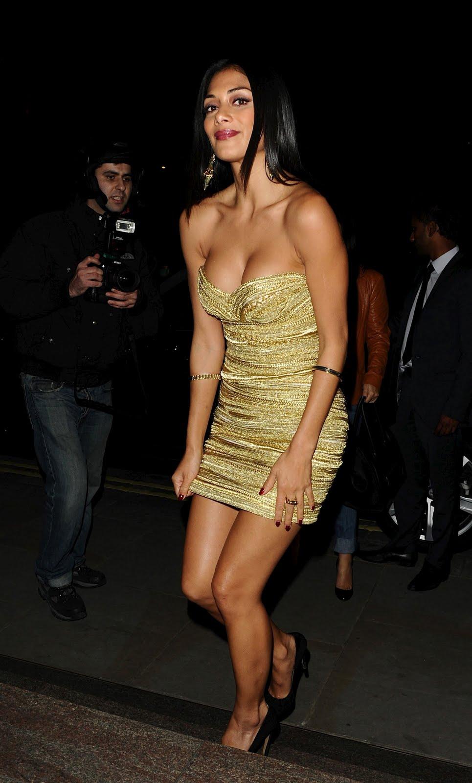 Nicole Scherzinger Cleavage Nude Photos 39