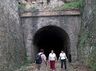 La boca sud del túnel del Carrilet