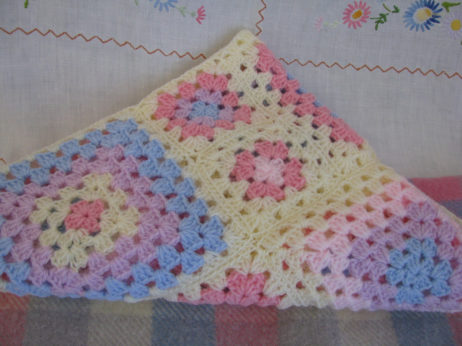 Crocheting A Baby Quilt : Crochet Baby Blanket