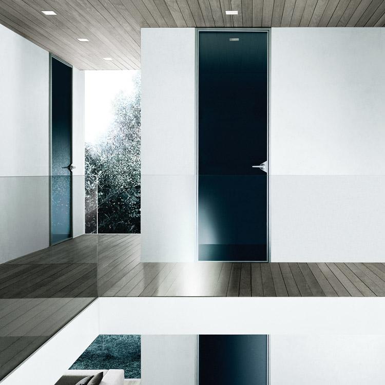 Interieur huis stoel rimadesio ghost design deuren in glas rimadesioshop for Interieur design huis