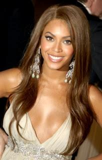 Beyonce con cabello lacio