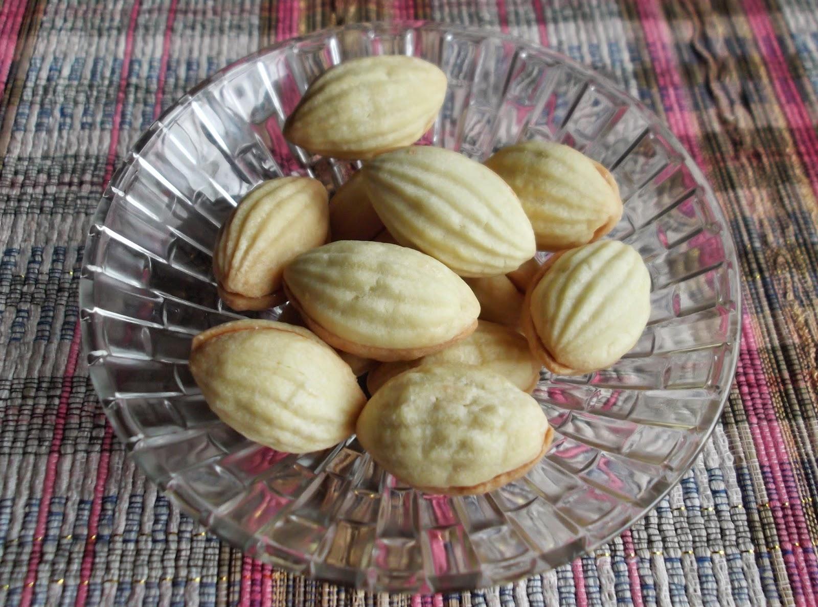 biskut buah kana