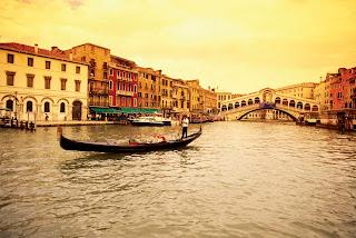 Venice, Travel