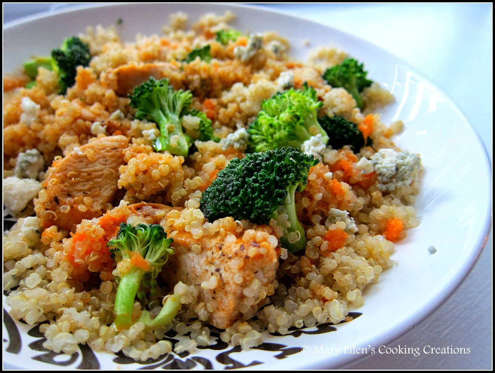 Mary ellen 39 s cooking creations buffalo chicken quinoa salad for Cuisine quinoa
