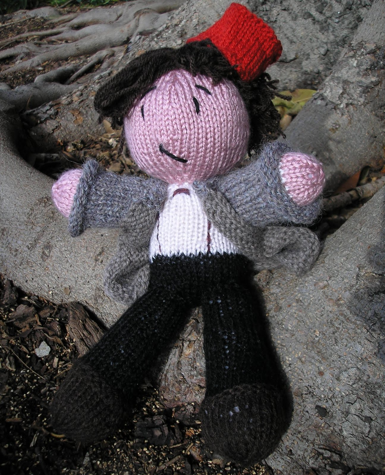 Pixelated Mushroom: Matt Smith Big and Cuddly - now a knitting pattern