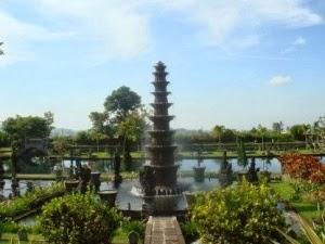 Tempat Wisata Tirta Gangga di Bali yang ramai dikunjungi