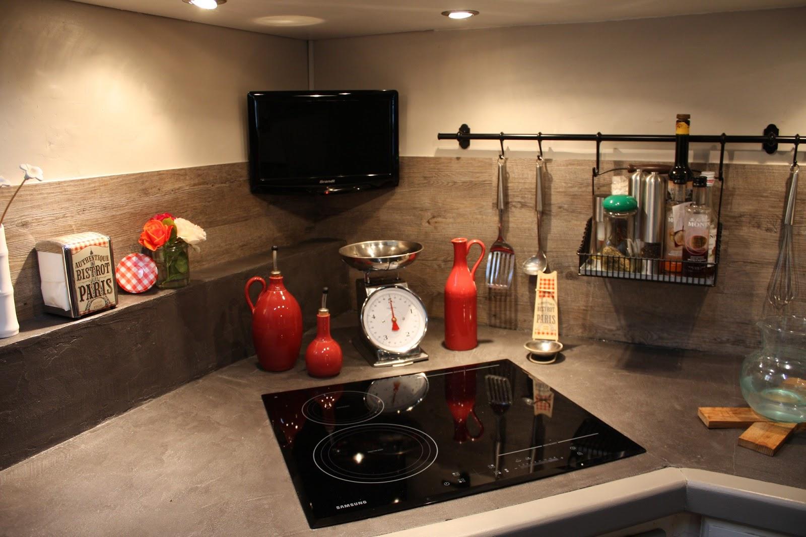 Beton cir castorama resinence id e for Enduit decoratif cuisine