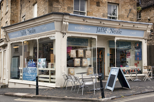 Jaffe & Neal bookshop in Chipping Norton by Martyn Ferry Photography
