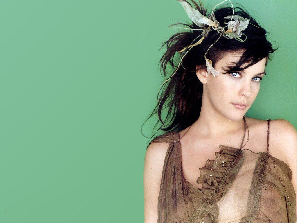 http://1.bp.blogspot.com/-hcIPvNIQ5rg/Tc_FLMkPUGI/AAAAAAAAPho/pavU9brNrLE/s1600/american-actress-model-Liv-Tyler-wallpaper%25252B%252525281%25252529.jpg
