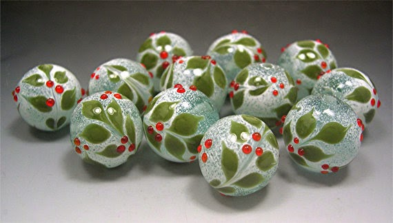https://www.etsy.com/listing/113136894/handmade-lampwork-holly-glass-beads?ref=favs_view_11