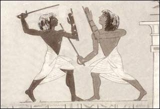 Egipcios combatiendo con sables